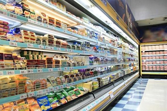 スーパーの食品も税率が2段階に