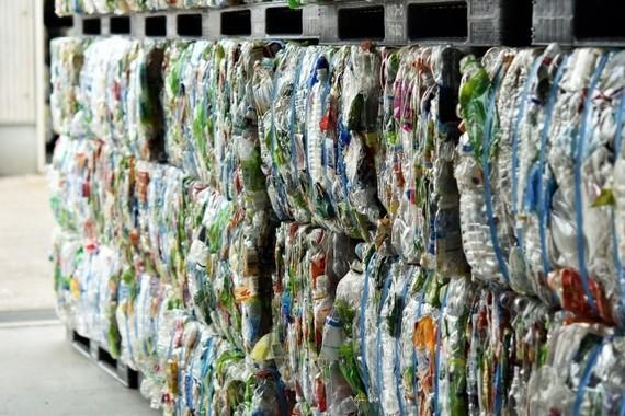 リサイクル市場は有望だ!(写真は、ペットボトルのリサイクル)