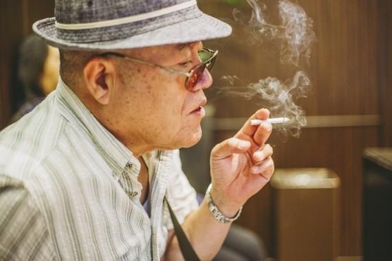 喫煙者はどんどん減り続けていくが…