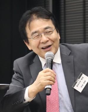 東洋大学の竹中平蔵教授は「若者の将来を奪ったのか」!?(2018年6月28日撮影)
