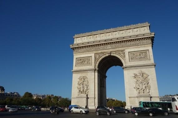 フランスのCNIL、グーグルに62億円の制裁金(写真は、フランスの凱旋門)