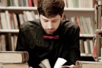 ビジネスパーソンの読書 「月に一冊も読まない」が6割