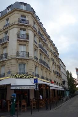 黄色いベストであふれる(写真は、パリの街角)