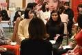 メイクとファッションで決まる?「顔採用」就活 化粧品の伊勢半が個性重視の新選考導入