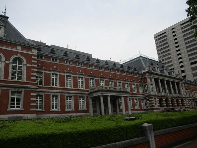 恩赦の作業を担当する法務省(東京・霞が関、写真は旧館)