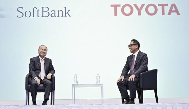 新サービス取り組みのためソフトバンクとトヨタ自動車は新事業会社を設立。大規模な異業種間チームビルディングに乗り出した