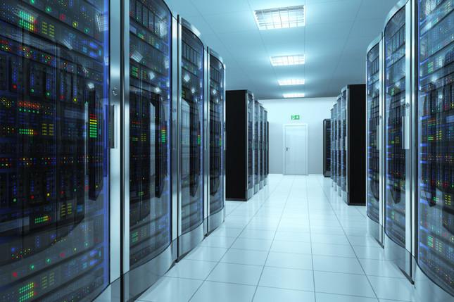 サーバーには個人データも蓄積されている(写真はイメージ)