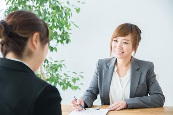 企業の女性管理職の割合、ジワリ上昇しているものの……