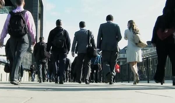 労働者総数に占める転職者の割合は10%