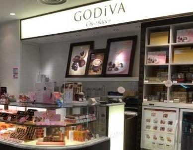 高級チョコレートが並ぶ「ゴディバ」の店舗