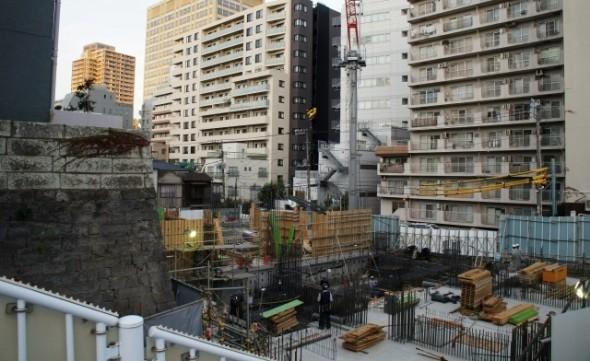 東京オリンピックを控え、都内の建設・工事現場には外国人労働者の数が増えている