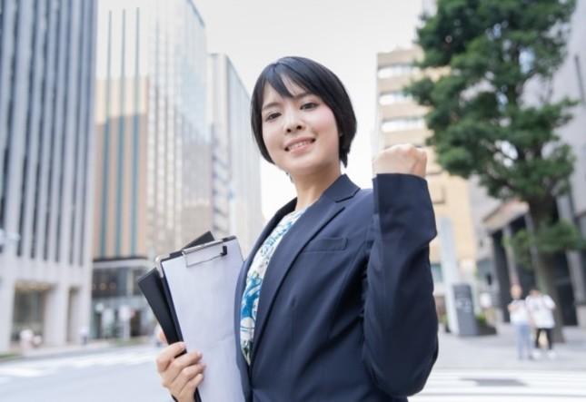 新入社員の給与が史上最高に(写真はイメージ)