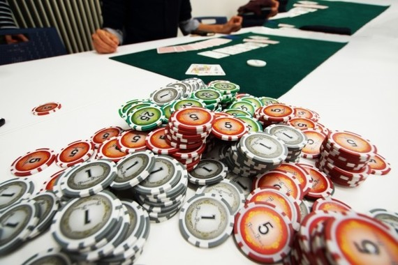 カジノで大儲けするのは誰だ!?