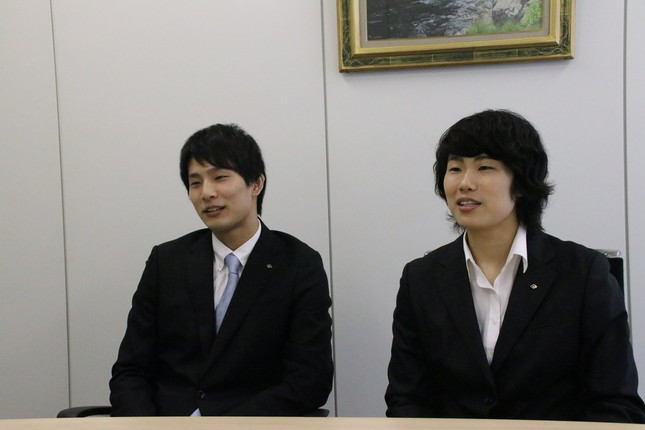 フェンシングは繊細なスポーツです(写真は、左が大石利樹さん、右が栞菜さん)