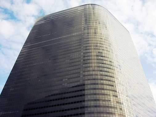 初めて赤字転落した電通(東京都港区の本社ビル)
