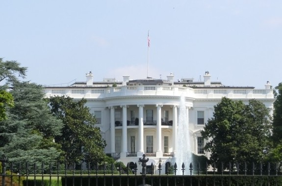 「爆走」するトランプ米大統領を、ここから追い出せるか!?