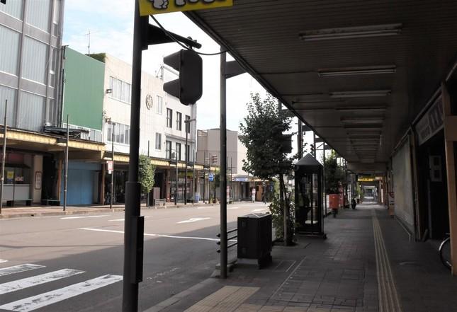 地方都市の商店街の多くは、かつてのにぎわいが姿を消している