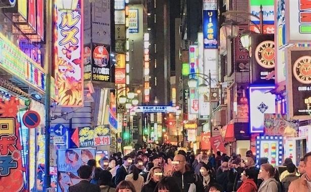 日本最大の歓楽街、新宿歌舞伎町