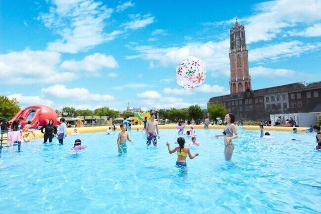 日本一広いテーマパーク「ハウステンボス」日傘で熱中症予防とソーシャルディスタンスを「両立」