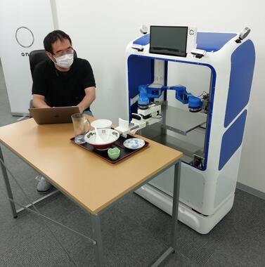 NEDO STS事業に採択されたスマイルロボティクスの下膳ロボット