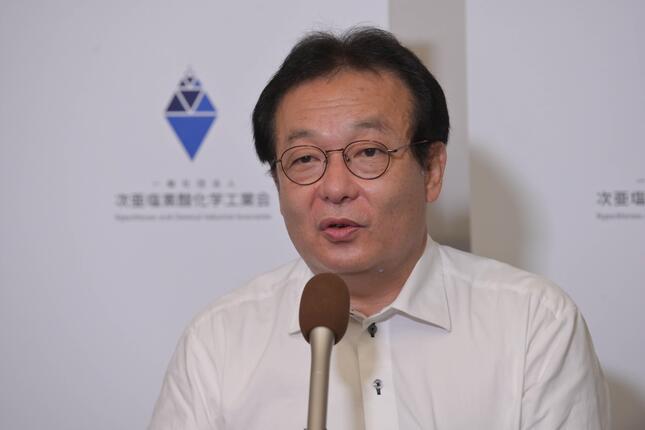 「次亜塩素酸化学工業会」の設立を発表する石田智洋代表理事