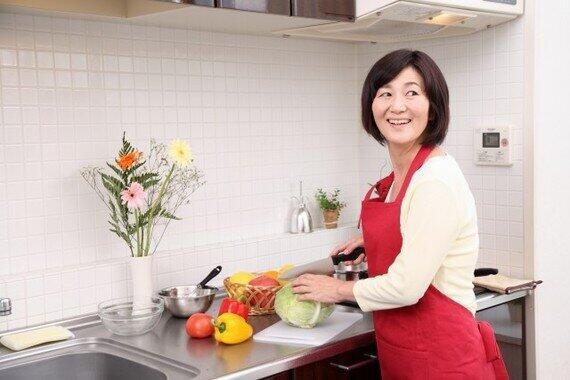 専業主婦は家事で貢献しているのに(写真はイメージ)