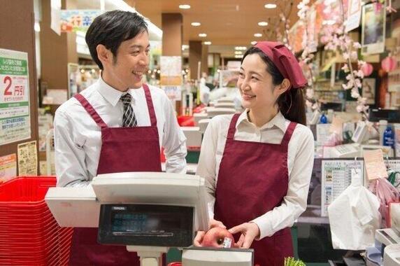 コロナ禍で、スーパーマーケットは大変な1年だった……(写真はイメージ)