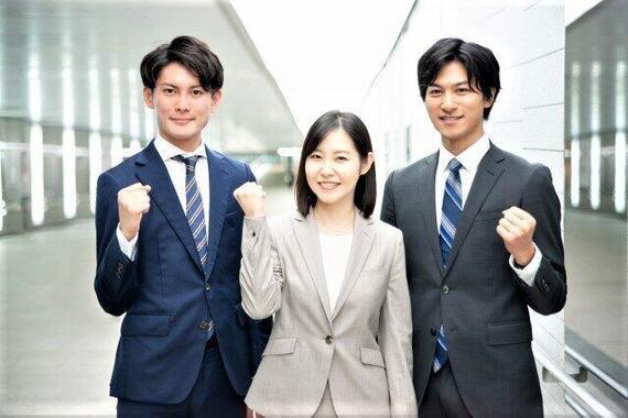 同期の桜の新規職員たち(写真はイメージ)