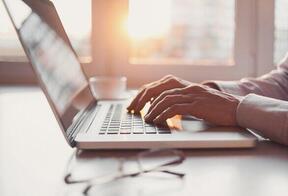 メールの書き方で仕事が変わる?