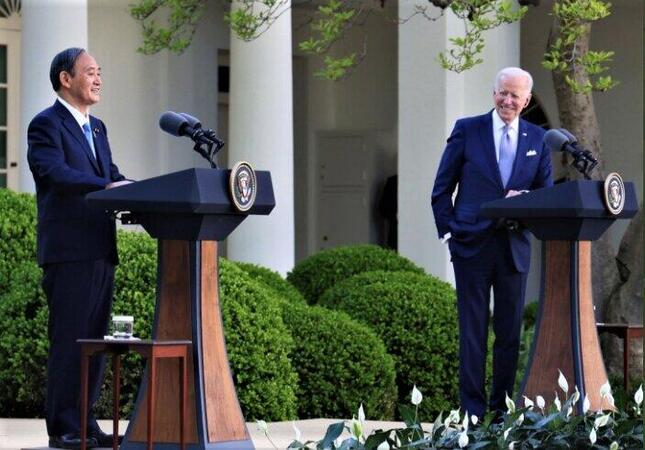 菅義偉首相とバイデン米大統領の共同記者会見(首相官邸ツイッターより)