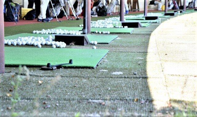ゴルフ練習場の「無観客開催」ってどういうこと?