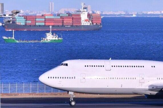 コロナ禍で航空機輸送が振るわず……(写真はイメージ)