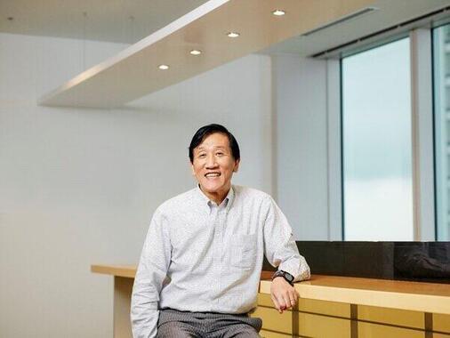 アクサ生命は、地域の中小企業経営者に向けて「健康経営」の導入・実践を支援している(写真は、アクサ生命の安渕聖司社長兼CEO)