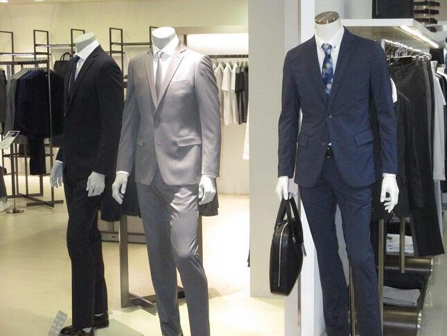 紳士服大手のAOKIホールディングスの株価が連日の上昇!(写真はイメージ)