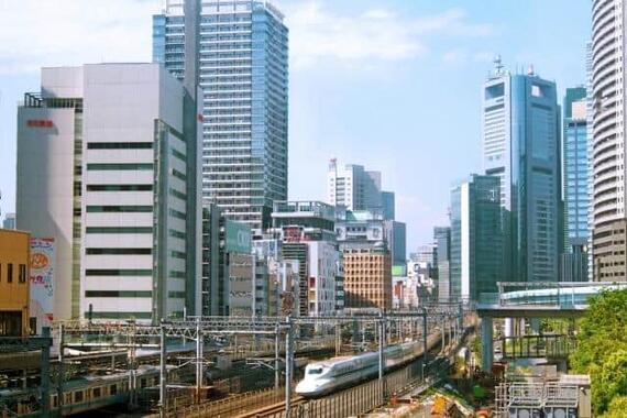 東芝経営「視界不良」……(写真は、東芝本社に近い東京・浜松町周辺)