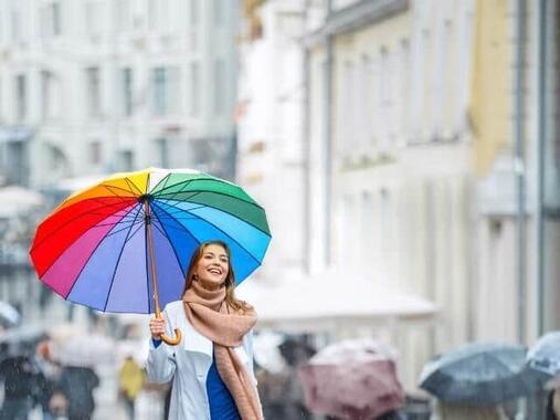 雨の日でも気分が盛り上がるコーディネートは?