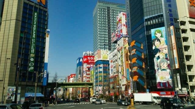 東映アニメの歴史は日本のアニメの歴史(写真は、アニメファンが集まる秋葉原界隈)