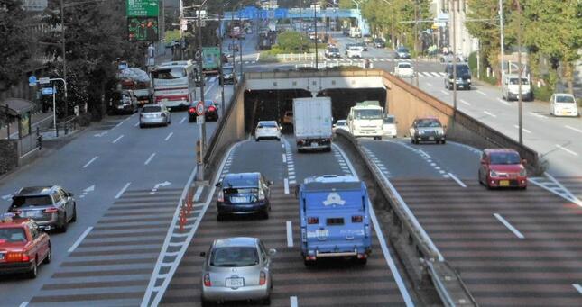 自動車保険は損害保険の大きな収益の柱の一つ(写真はイメージ)