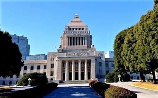 9月29日、自民党の新総裁が決まる!(写真は、国会議事堂)