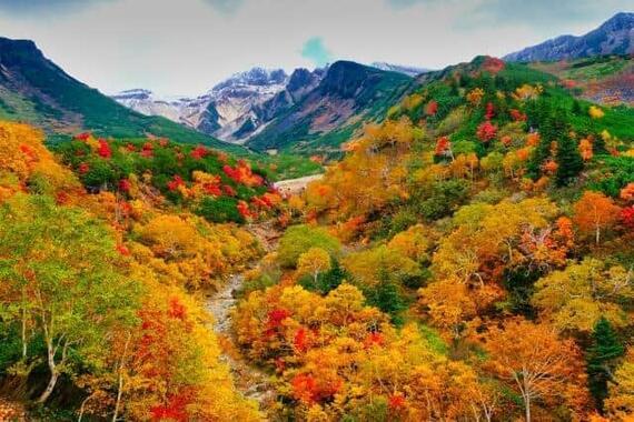 秋の行楽シーズン、登山・ハイキングは計画的に!(写真はイメージ)