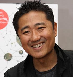 「僕の映画は発見が命」と話す想田監督。先入観を抱かないために、撮影前のリサーチや台本書きは行わないという