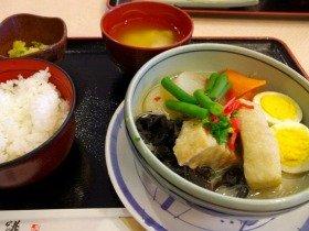 ボリュームたっぷりの「煮豚と野菜の白湯煮」