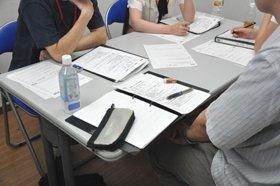 NPOと連携したプログラムの様子。参加者同士の自主性を重んじた支援を行う