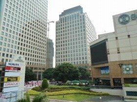有名企業が入居するジャカルタのオフィスビル。こういうところで面接は行われます
