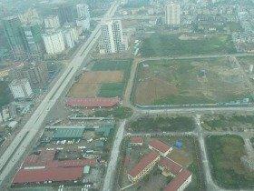 ベトナム・ハノイ郊外「ランドマーク72」からの眺め。あたり一面工事現場