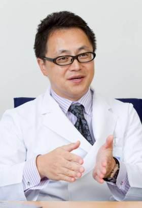 脇坂クリニック大阪、脇坂長興院長