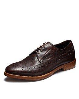「呼吸する靴」ジェオックスはファッショナブルな外観に似合わぬ機能性を秘めている