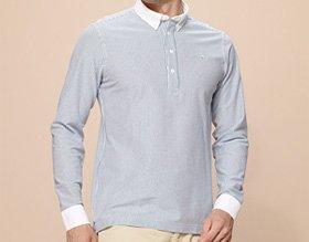 薄いストライプを取り入れたラコステのクレリックタイプの長袖ポロシャツ