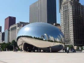 シカゴの巨大メタルスライム(?)。やっつけたら、たくさん経験値がもらえそうです