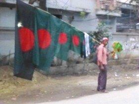 バングラデシュの国旗は、緑色の日の丸です
